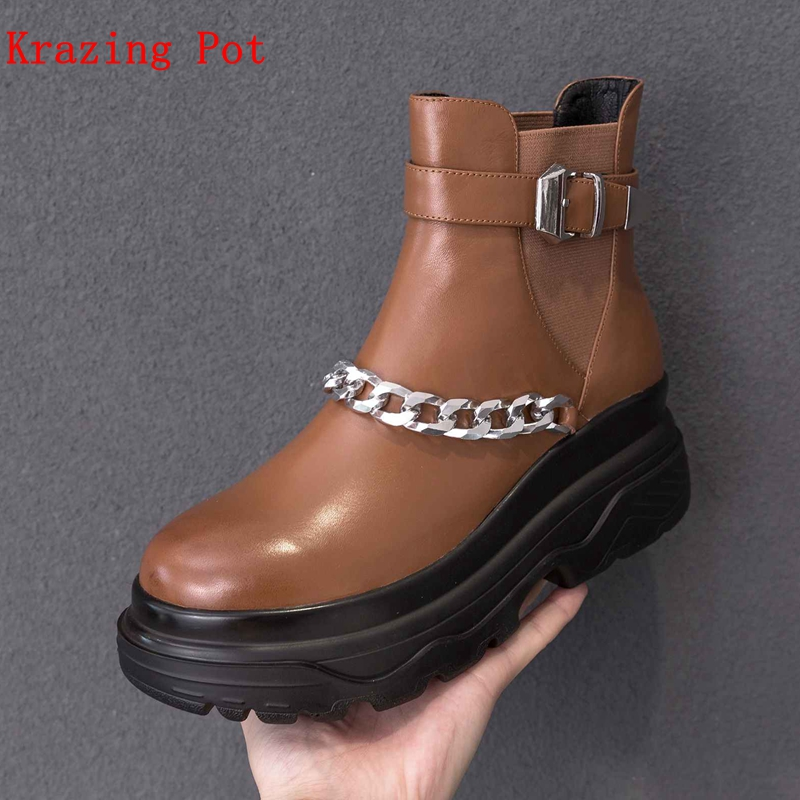 цены Krazing Pot genuine leather buckle decoration wedges thick bottom motorcycle boots streetwear metal chains women ankle boots L45