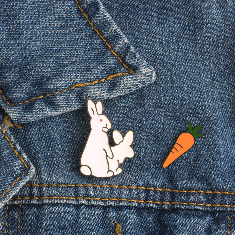 100% Quality Creative White Rabbits Brooches Evil Animal Bunny Carrot Enamel Metal Pins For Women Coat Shirt Bag Jackets Collar Lapel Badge