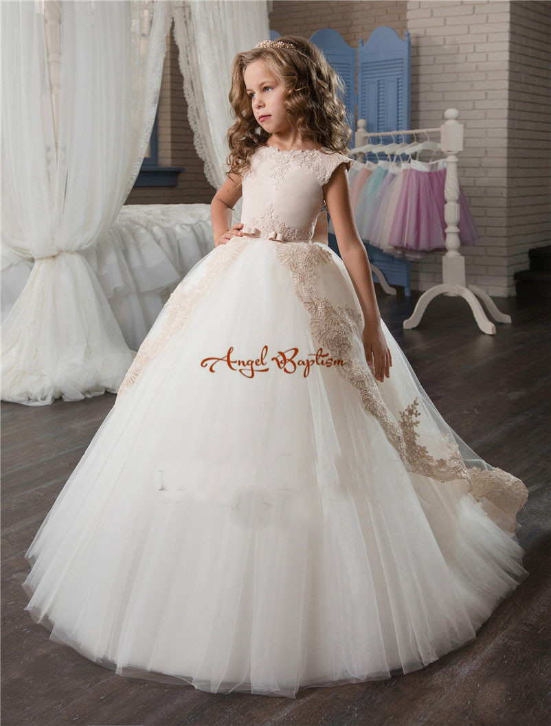 Cute lovely champagne Lace flower girl dresses with pink sash appliqued ball gown party wedding girls dress with trainCute lovely champagne Lace flower girl dresses with pink sash appliqued ball gown party wedding girls dress with train