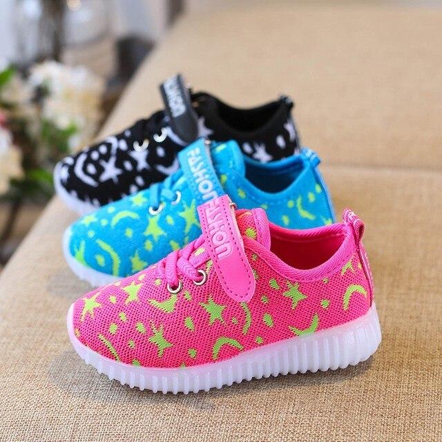 e156bb24a9368 Nouveau À La Mode Net Respirant Enfant Chaussures LED Loisirs Sport Courir  Chaussures pour Garçons Filles