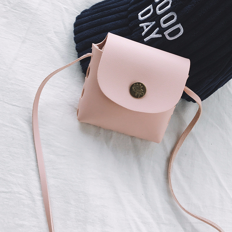 Cute Small Girls Flap Messenger Bag Mini Designer Coin Purse Children Cross body Bag Lady Shoulder Bag Kids Bolsa FemininaCute Small Girls Flap Messenger Bag Mini Designer Coin Purse Children Cross body Bag Lady Shoulder Bag Kids Bolsa Feminina