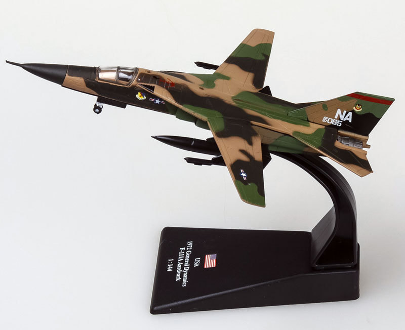 3pcs/lot Wholesale AMER 1/144 Scale Military Model Toys F-111 Aardvark Fighter Diecast Metal Plane Model Toy