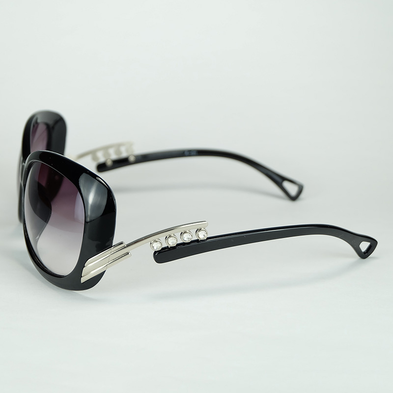 Beautiful Women Sunglasses Black Frame And Silver Hinge With Faux-diamond