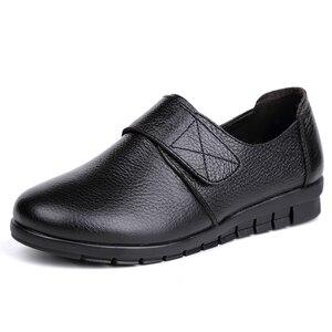 Image 4 - GKTINOO נשים שטוח תחרת עגול הבוהן אמיתי עור קצר קטיפה חורף חם נעליים יומיומיות אישה דירות מוקסינים בתוספת גודל 43
