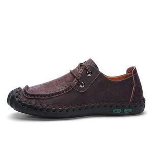 Image 2 - プラスサイズ本革紳士カジュアルシューズ非スリップローファーフラットシューズ男性通気性屋外の快適ウォーキング男性の靴