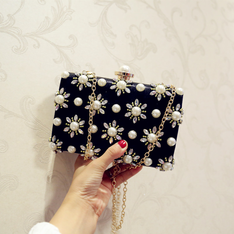 2017 new fashion diamond pearl Dinner Bag hand chain Korean small party dress bag black silver color day clutches карабин black diamond black diamond rocklock twistlock