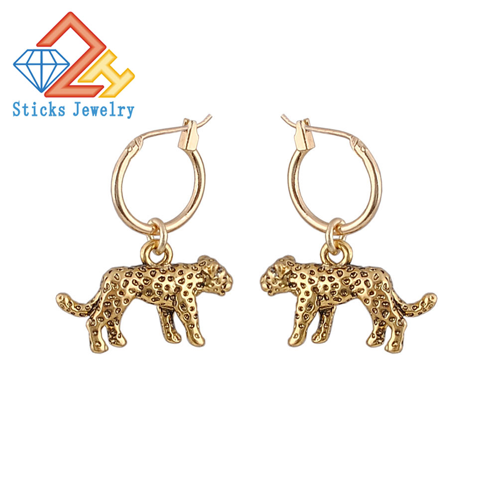 European Stereoscopic Trend Cute leopard Hoop Earrings With Pendant Ancient Gold/Silver Color Lovely Fashion Earrings Jewelry