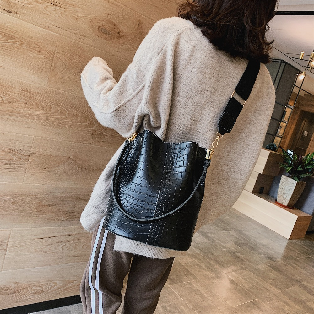 Image 3 - Vintage leather Stone Pattern Crossbody Bags For Women 2019 New Shoulder Bag Fashion Handbags and Purses Zipper Bucket Bags-in Shoulder Bags from Luggage & Bags