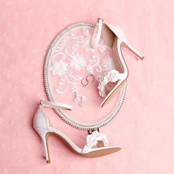 Summer new leather strap open-toed sandals white sweet flowers hollow button wristband slim high-heeled women's shoes