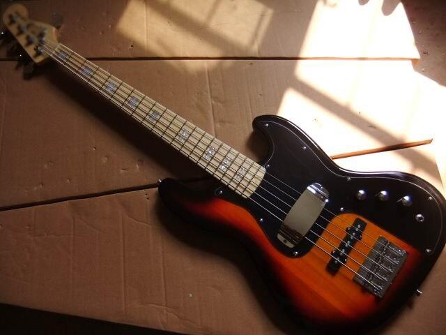 New Arrival 5 string jazz style sunburst bass Guitar style stingRay Sunburst electric bass Free Shipping 110619 free shipping fdr 4string jazz bass electric bass guitar 4 string bass in vintage sunburst 140605