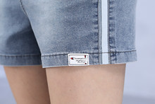 Лучший!  ZOGAA 2019 новые летние рваные джинсы для женщин уличного стиля Короткие джинсы женские плюс размер