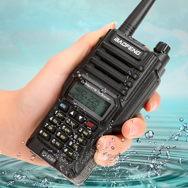 Baofeng Walkie Talkie Impermeabile Dual-Band 136-174/400-520 MHz FM Ham Two Way Radio Transceiver con Auricolare Spina DEGLI STATI UNITI 58