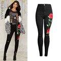 2017 Europa Vestuário Rose Bordados Jeans Skinny Jeans Rasgado Para As Mulheres Plus Size XS-2XL Mulheres Calças Pretas Calças Jeans Do Vintage
