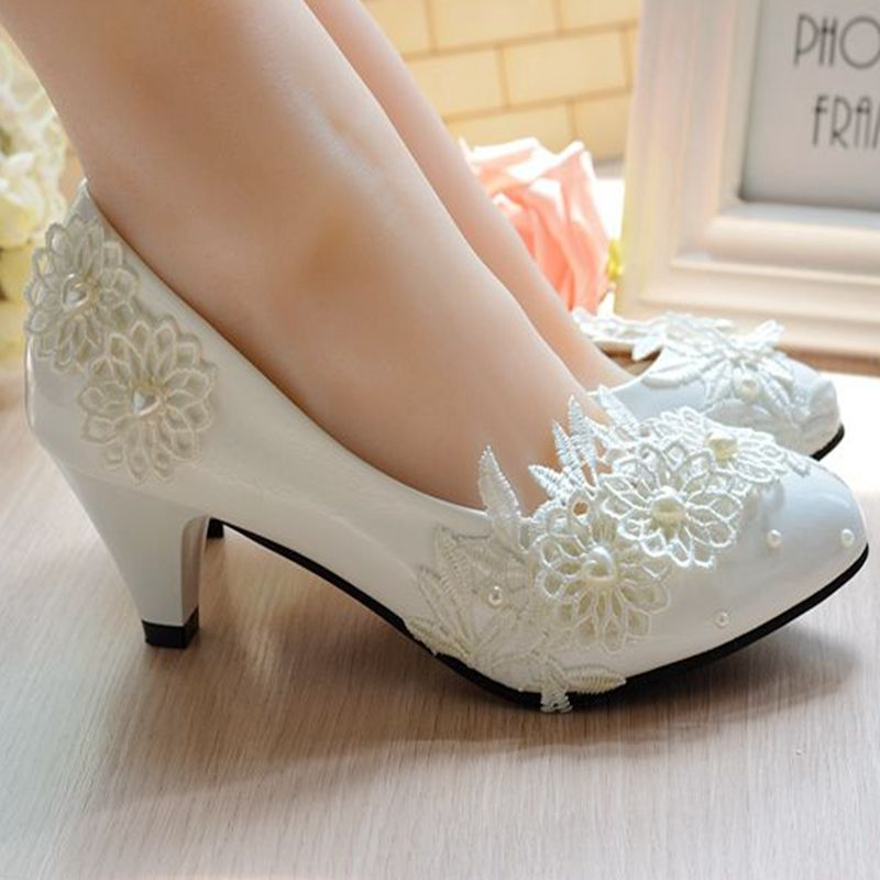 Middle Heel Ivory Lace Weddings Shoes Woman Round Toe Slip On Sweet Lace Pearls Brides Bridal Woman's Wedding Shoes Plus Sizes
