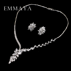 Image 3 - Emmaya 새로운 독특한 디자인 초커 목걸이 스터드 귀걸이 신부 보석 세트 웨딩 액세서리 dropship
