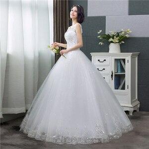 Image 4 - Koreanischen Stil V ausschnitt Spitze Tank Ärmelloses Blumen Druck Ballkleid Hochzeit Kleid 2020 Neue Mode Einfache estidos de noivas CC