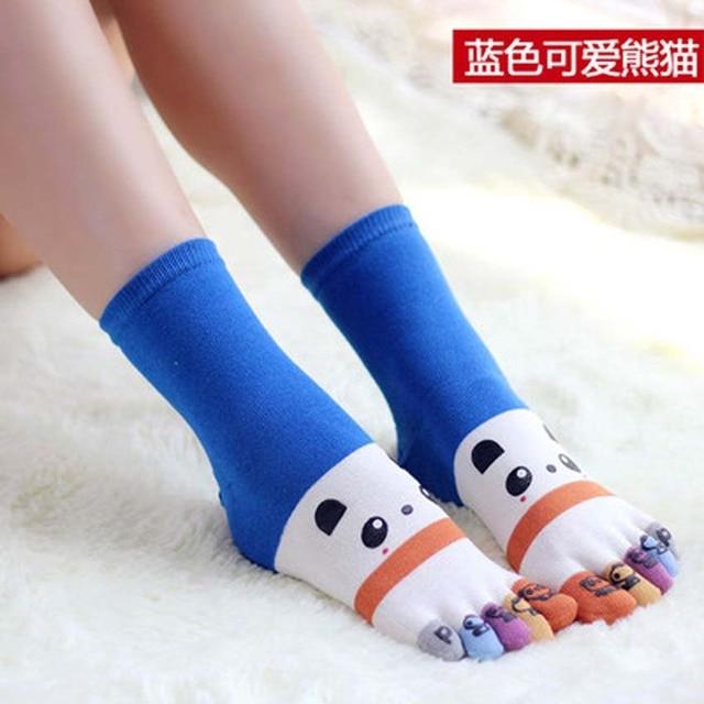 f9e59c194180a6 Divertente funky donne lunghe Calzini e Calzettoni Cotone Cinque dita calzino  Cute panda faccia di stampa