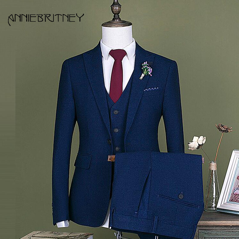 Azul Marino Mens trajes diseñadores 2018 traje de boda para hombres Slim  Fit smoking del novio guapo mejor chaqueta 3 unidades terno Masculino e3b7e0d7477