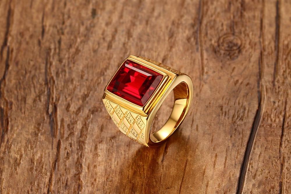 Купить модное красное блестящее кольцо стразы золотого цвета мужское