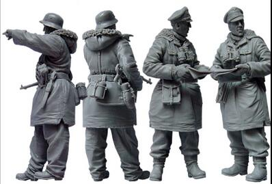 1/35 Resin Kits WWII Winter Soldiers 2pcs/set1/35 Resin Kits WWII Winter Soldiers 2pcs/set