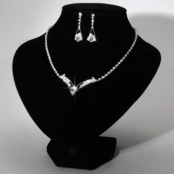 Sparkling V Shaped Rhinestone Australia Crystal Jewelry Set  2