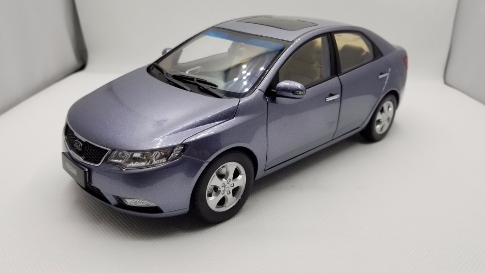1:18 Diecast Model for Kia Forte 2008 Grey Alloy Toy Car Miniature Collection Gifts Cerato K3