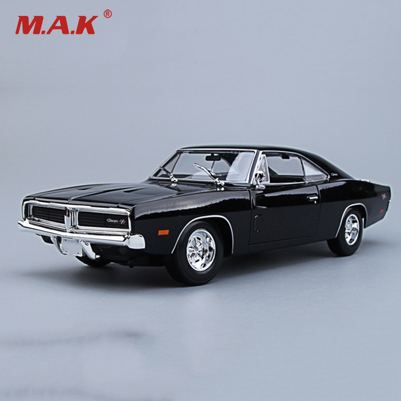 Maisto 1/18 1969 Dodge Charger R/T Diecast Car Model Black/Orange Color Alloy Muscle Car Model Collections With Box 1 18 diecast model for nissan gtr r 35 2008 blue alloy toy car coupe gt r gt r r35