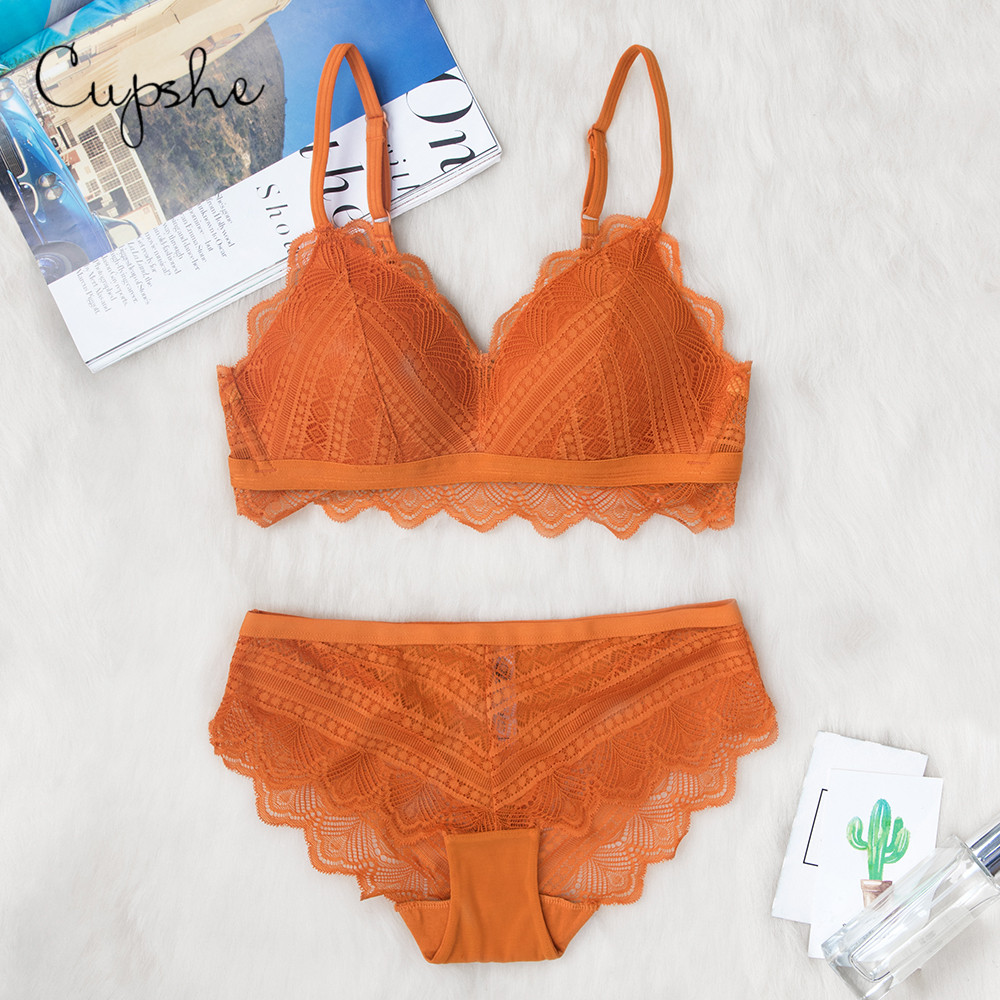 CUPSHE Women's Pure Orange V neck Lace Scalloped Lingerie   Bra     Sets   Padded Sexy Brassiere Wireless Embroidery Bralette Underwear