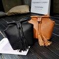 Pequena Borla Retro Bolsa de Ombro Mulheres Sacos de Lazer Simples Puro Balde Sacos Do Mensageiro Bolsa Feminina Bolsa de Senhora De Couro PU Bolsos Venda