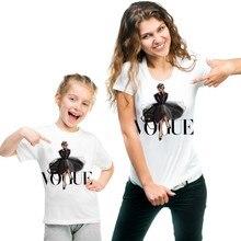 Модная одежда принцессы с принтом для мамы и дочки; одинаковые комплекты для семьи; футболка QT-1924