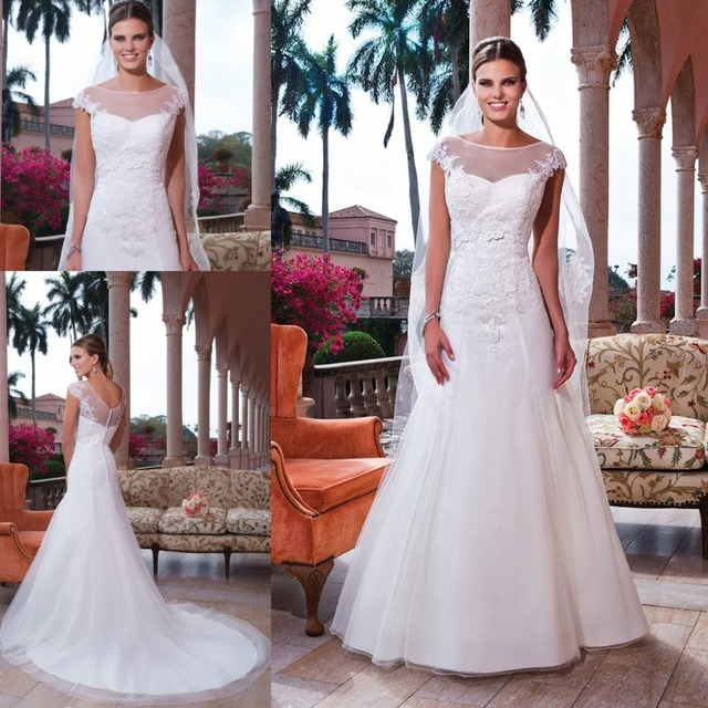 Latest Design Lace Appliqued Lace Top Wedding Dress Ball Gown