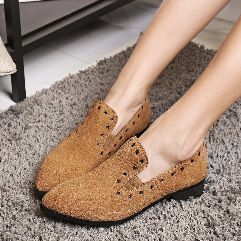 ФОТО women's genuine Leather Autumn Flats Shoes for Women Brand Designer Slip-on Ballet Flats Pointed Toe Hold Rivet Single Shoes Hot