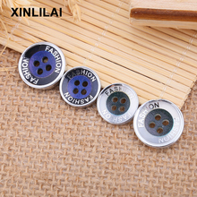 100pcs Resin Handmade Buttons Four Holes Coat Wooden Letter Logo Fashion DIY can be customized