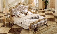 Classical Royal Luxury Champagne Golden Bed Gorgeous Solid Wood Carving King Size Leather Bed European Master Bedroom Bed A18