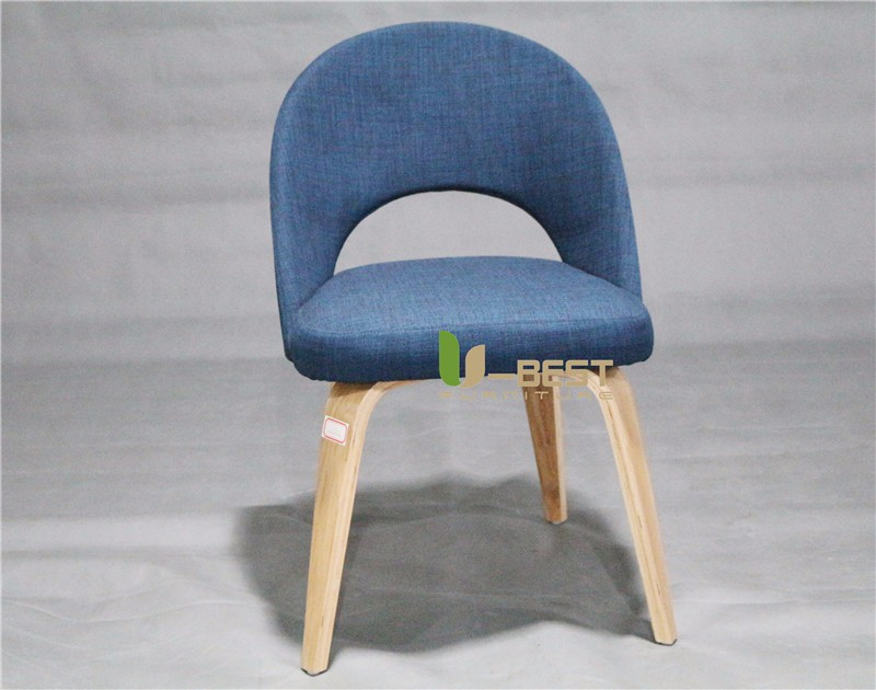 Executive Side Chair with wooden Legs by Saarinen (1)