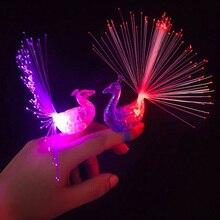 2016 년 새로운 크리 에이 티브 공작 새끼 손가락 조명, 7 가지 색상의 아이들의 선물 장난감 반지 무료 배송
