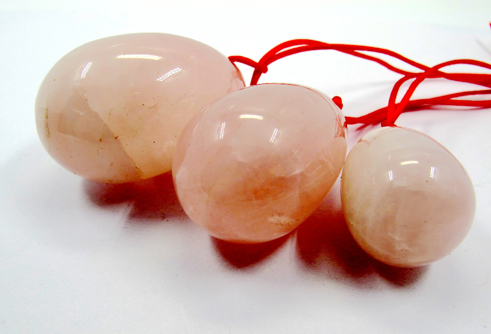 Wholesale 3 pcs/set Drilled Natural Rose Pink Quartz Crystal Egg Yoni Egg for Kegel Exercise drilled eggs 3pcs drilled kegel egg blooded stone yoni egg muscle kegel exercise healing reiki for women health care