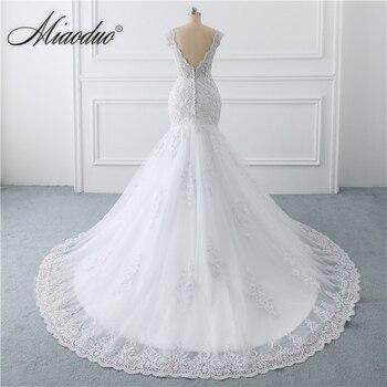 vestido de noiva sereia branco 2019 abiti da sposa Illusion Button Back Lace Applique Pearls Crystal V Neck Wedding Dresses New 3