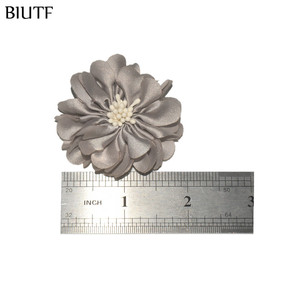 Image 5 - 100pcs/lot 4.5cm Handmade Fabric Flower with Center DIY Boutique Headband & Hairpin Accessories On Sale TH233
