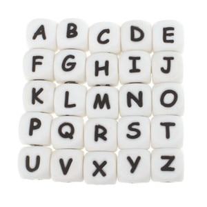 Image 2 - 100pcs אנגלית אלפבית מכתב 12mm סיליקון קוביית חרוזים Teether Bpa משלוח מזון כיתה תינוק בקיעת שיניים תכשיטי הוראת סיעוד צעצוע
