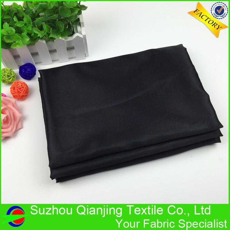 Rychlá dodávka 100% polyester hedvábně lesklá černá saténová tkanina pro podšívku