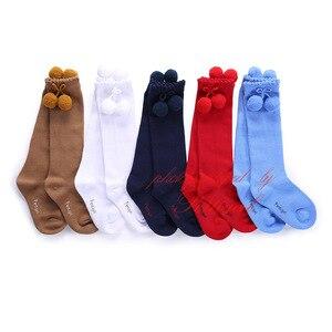 Image 1 - Pettigirl moda kız çorap bebek fırfır Pom çorap yüksek diz el yapımı sevimli çocuklar çorap butik
