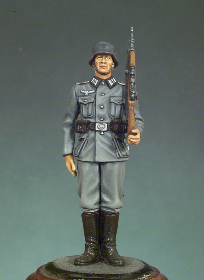 1:35 World War II German honor guard 31-in Model Building