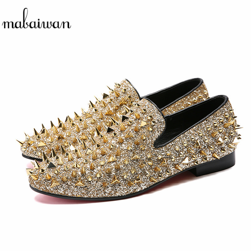 Mabaiwan Fashion Men Loafers Gold Rivets Slipper Glitter Loafers Wedding Dress Shoes Men Slip On Spikes Handmade leather Flats ovxuan metal skull buckle handmade men ankle shoes punk party dress loafers glitter bright sequins men flats casual rivets shoes
