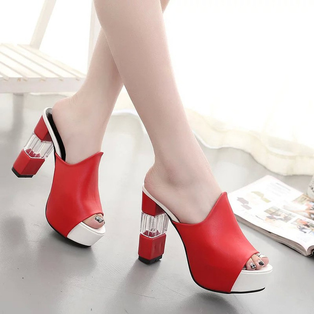 6e2a52bb3d Sexy sapatos de Salto Alto Mulheres Flip Flops Chinelos de Dedo Aberto  Calcanhar Grosso Fivela Moda