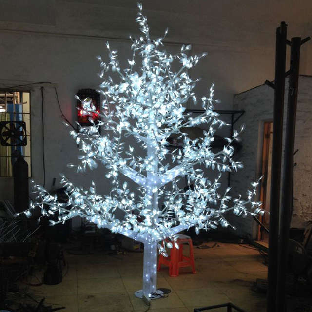 2 8meter 2880led White Color Outdoor Christmas Lights Tree