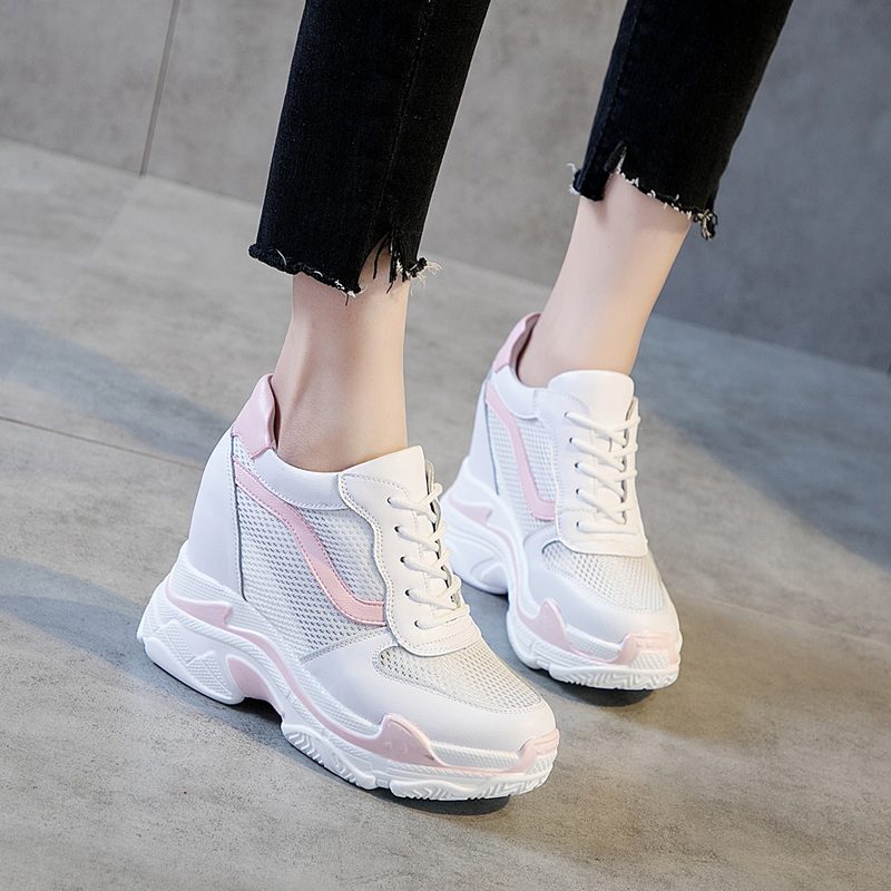 купить Dumoo 2018 New High Heel 9.0cm Lady Casual White Shoes Women Sneakers Summer Leisure Platform Breathable Height Increasing Shoes по цене 2845.7 рублей