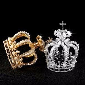 Image 1 - 高級ブライダルヘアアクセサリークロスバロックスタイルヴァンテージクリスタルパールウェディングクラウン合金ブライダルティアラバロックの女王クラウン