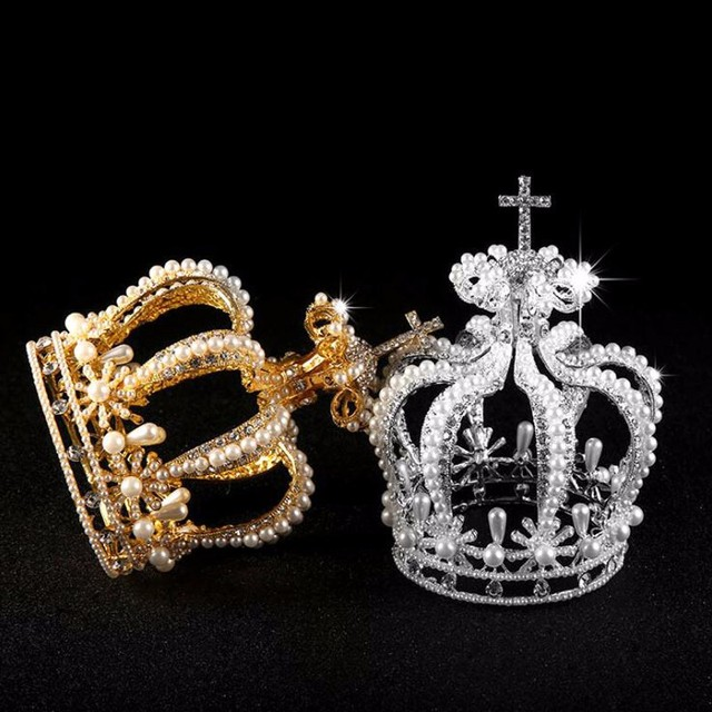 高級ブライダルヘアアクセサリークロスバロックスタイルヴァンテージクリスタルパールウェディングクラウン合金ブライダルティアラバロックの女王クラウン
