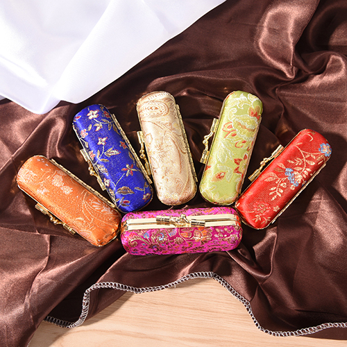 Flower Design Lipstick Case Box Hasp Cosmetic Bags Random Color Lipstick Bags Holder With Mirror Coin Lipstick Case Embroidered
